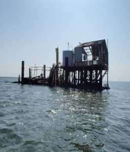 160424 Galveston Bay oil platform hazard